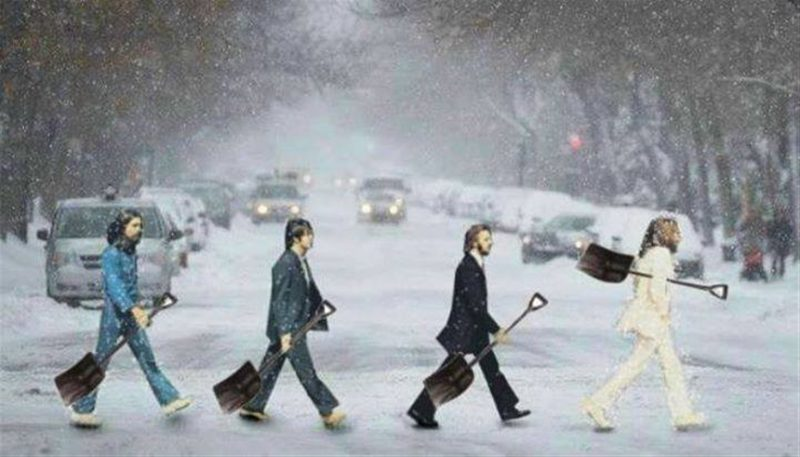 Beatles w shovels