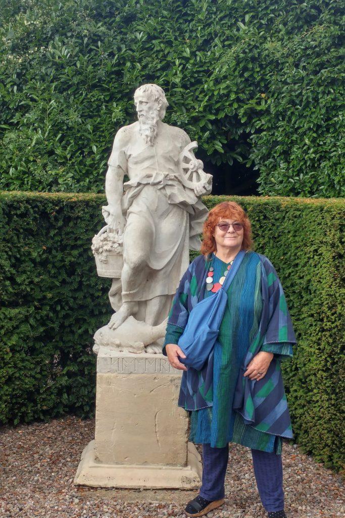 Anne Wareham with statue